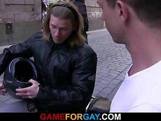 Tough biker drills gay's ass eagerly