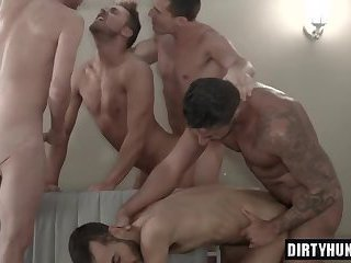 Muscle boy sex party with cumshot