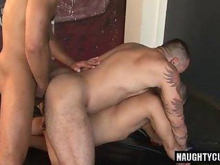 Big dick gay piss and cumshot