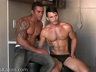 Hot Brazilian Alex Fucks Andy Star