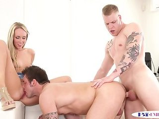 Bisexual jock plowed while licking
