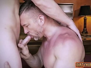 Muscle daddy anal sex with cumshot