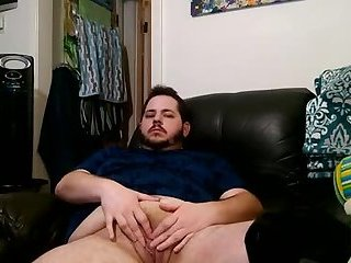 Chunky trans boy plays with his pussy