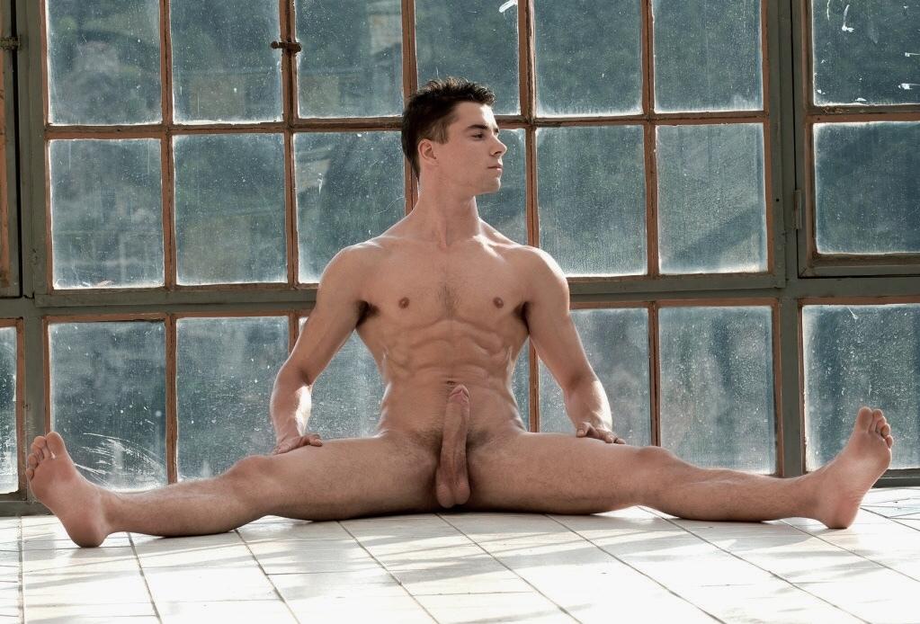 Nude Gay Yoga