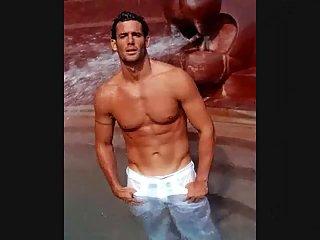 Slideshow of sportsmen & sexy guys