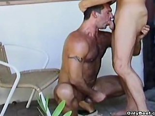 Hunks deepthroating & jerk off