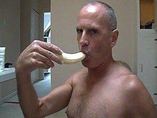 Perfect banana eating & thug butter