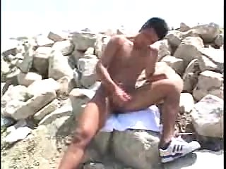 Homemade asian gay masturbating outside