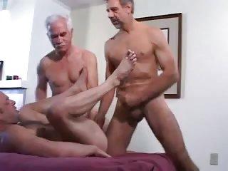 Trio mature wild screwing & dildo fucking