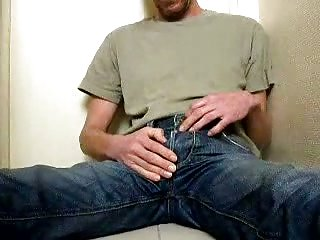 Amateur Gay Pissing On Camera