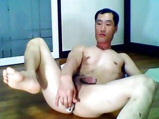 Asian Soloist Toying Ass & Yanking Dick