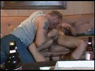 Hot Gay Guys Blowing & Pounding