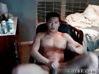 Chinese Dude Rubbing One Off For The Webcam