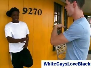White guy pays for blowjob from thug