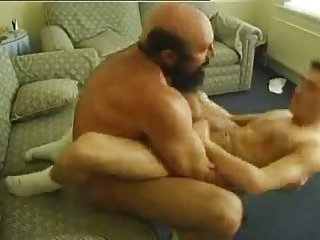 Mature Bear Nailing Slim Guy