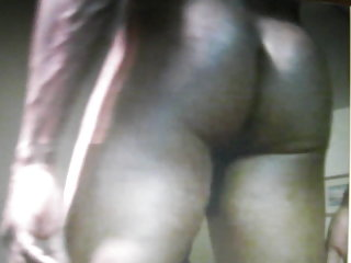 Hung black guy on cam