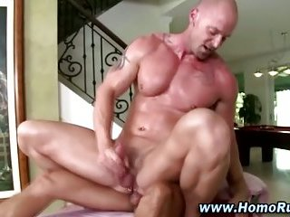 Watch these muscley studs cum