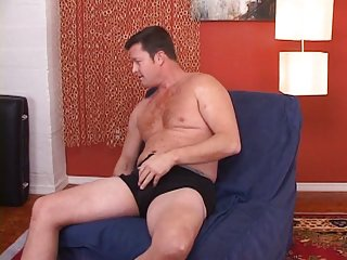 Beefy married guy talks pussy,I lube him