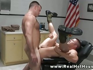 Muscular army buddies buttfucking hard