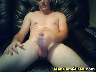 Hairy Guy Solo Jacking Off