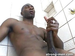 Beefy Ebony In Mask Gets His Dick Blowjed