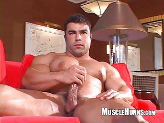 Body Builder gay jerking off