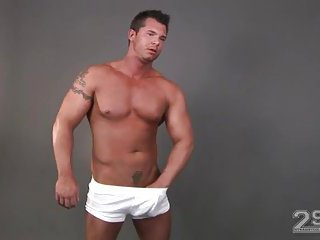 Beefy Gay Guys Solo Wanking