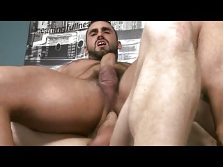 Jaxton Wheeler se fait bourrer le cul (gets penetrated ass)