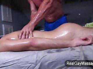 Amateur straighty massaged