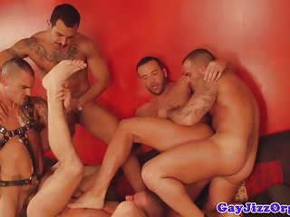 Gay orgy with insatiable hunks