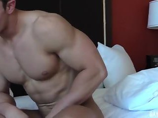 Muscle Guy Beating Off On Cam