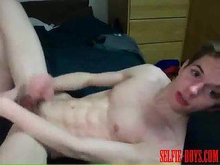 Hot twinks threeway ass pounding