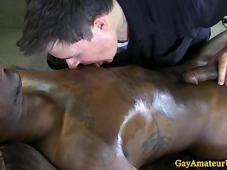 Interracial gayness at the massage table