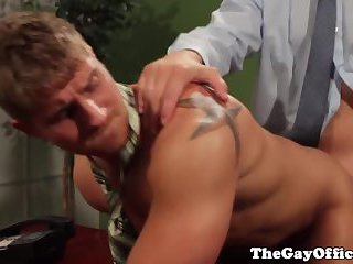 Gaysex office stud assfucked after bj
