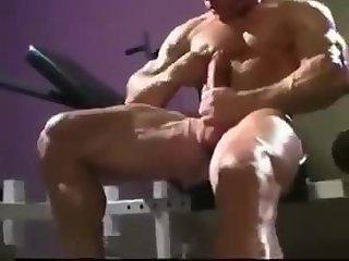 Horny Bodybuilder Solo Wanking