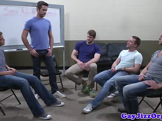 Sex addicted hunks get into blowjob orgy
