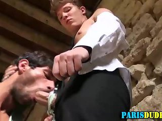 Frenchies fuck in ruins
