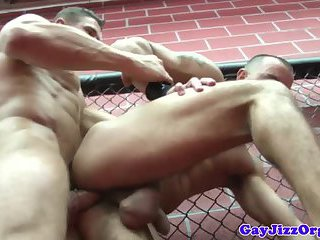 Orgy loving jocks fucking in the gym
