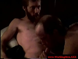 Straight amateur mature bear gives head