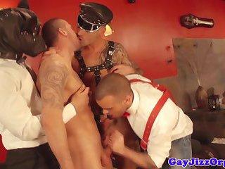 Orgy loving hunks hardcore sexparty fun