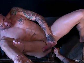 Tattooed Bodybuilders Rimming