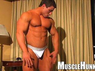 Horny Bodybuilder Steamy Solo