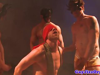 Groupsex loving hunks kinky orgy action