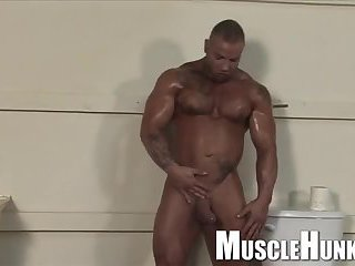 Muscle hunk jerking