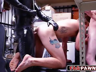 Gay in Leather giving a blowjob and fucks the rocker in the asshole