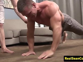 Ripped muscle hunk gapes after an assfucking