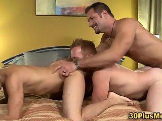 Hunks threeway sex