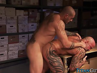 Muscle hunks fuck n suck