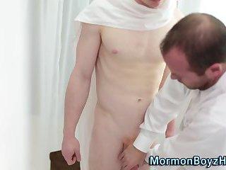 Uniform eldar sucks cock