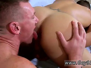 Horny guy gets ass licked